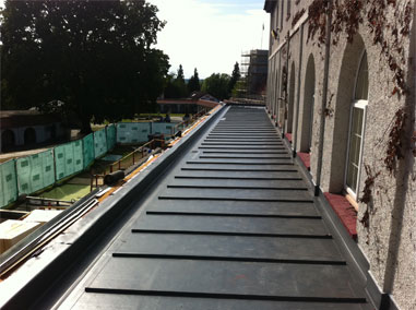 Flat roofing on a building